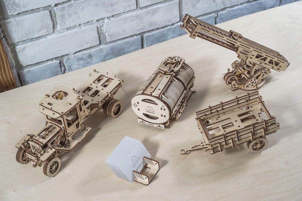 How Additions makes playing with UGEARS Trucks more exciting? 1