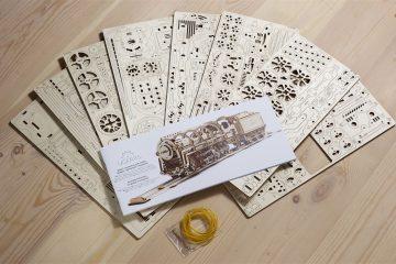 UGears Mechanical Wooden Model 3D Puzzle Kit Steam Locomotive