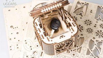UGears Mechanical Wooden Model 3D Puzzle Kit Treasure Box