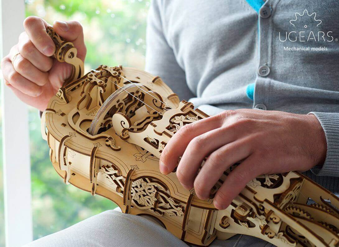 UGears Mechanical Wooden Model 3D Puzzle Kit Hurdy-Gurdy
