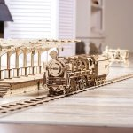 UGears Mechanical Wooden Model 3D Puzzle Kit Locomotive + Railway Platform + Rails