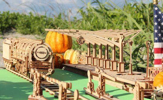 UGears Mechanical Wooden Model 3D Puzzle Kit Locomotive + Railway Platform + Rails