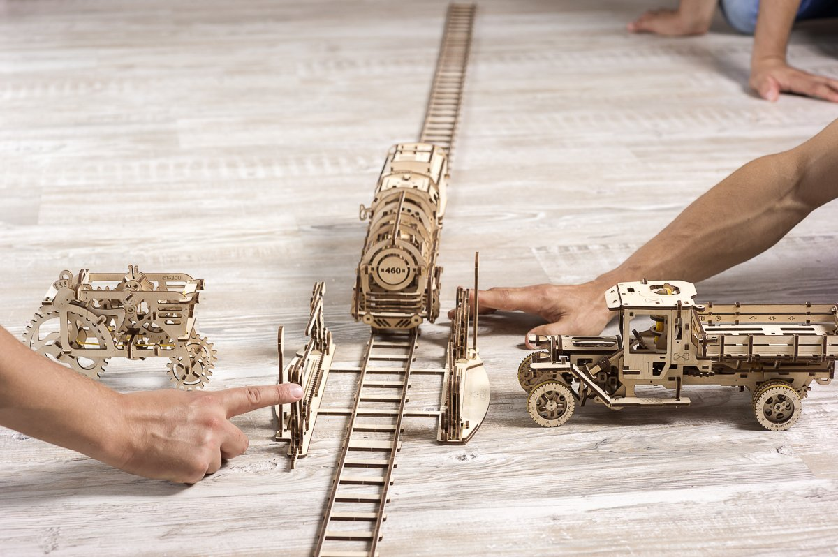 Explore your engineering talents and discover an exciting world of mechanics with Ugears Locomotive 1