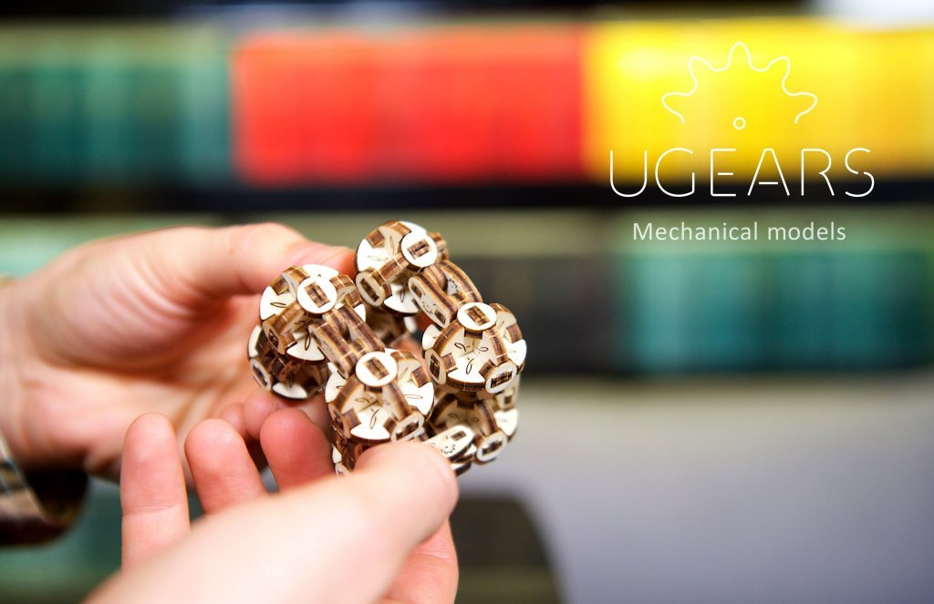 UGEARS Flexi-Cubus – a great stress reliever! 1