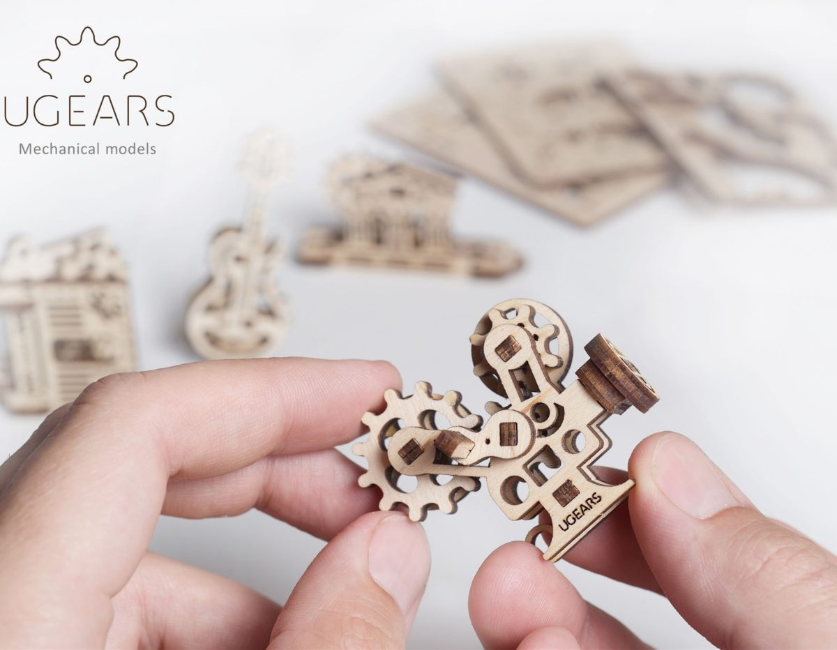 UGears Mechanical Wooden Model 3D Puzzle Kit U-Fidgets Creations
