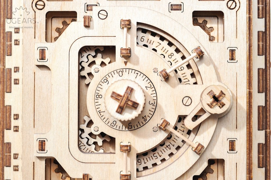 Safe Vault model – how to set your personal code 2