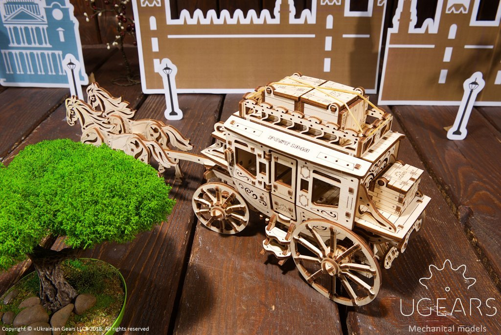 Create a Wild West atmosphere with UGEARS Stagecoach - UGears USA 1