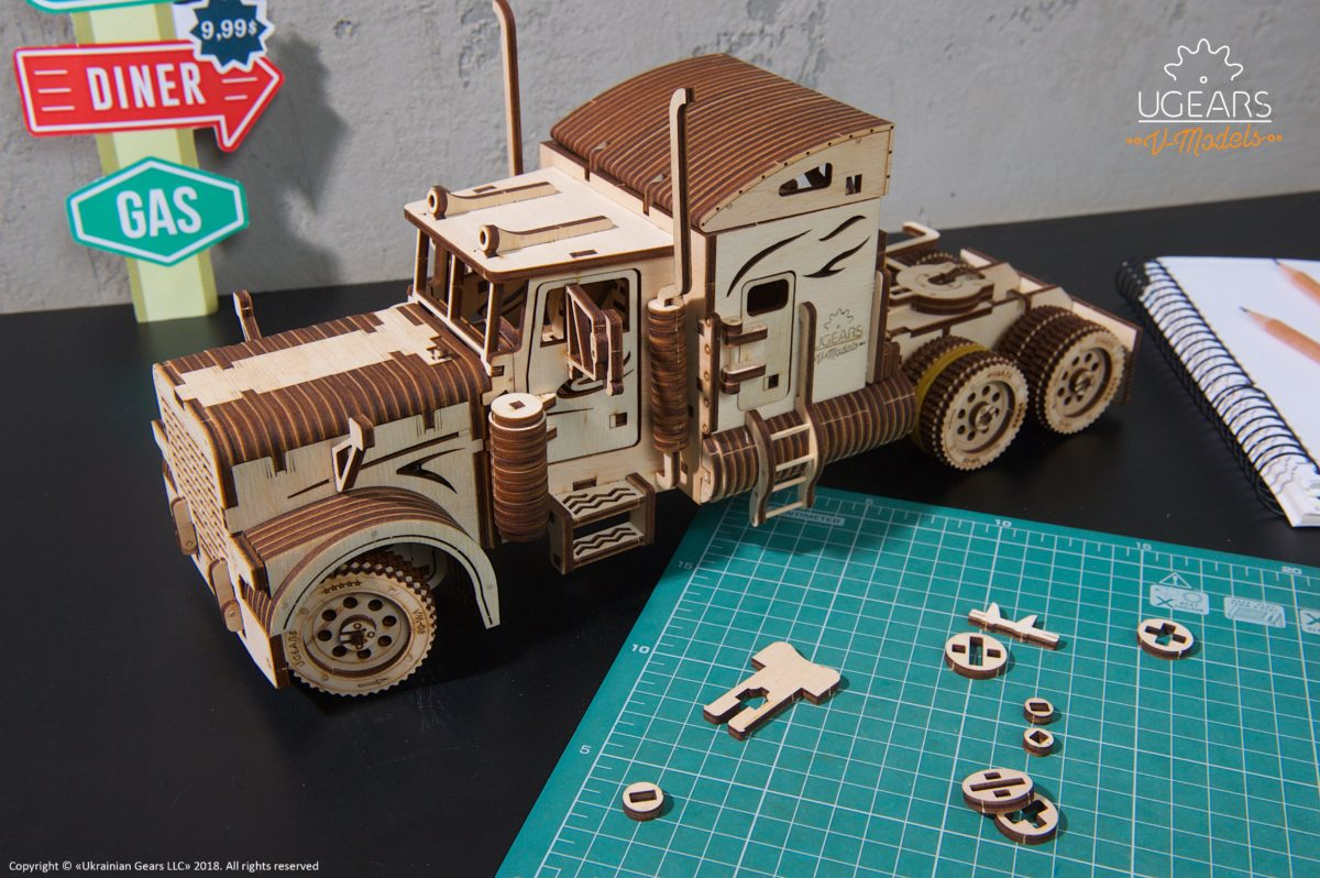 UGears Mechanical Wooden Model 3D Puzzle Kit Heavy Boy Truck VM-03