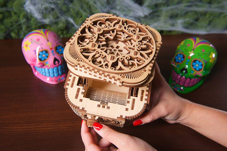 Halloween decor and gift ideas from UGears. 1