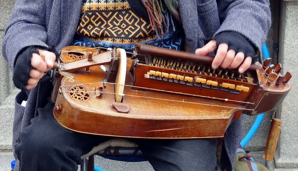 What is Hurdy-Gurdy? 1