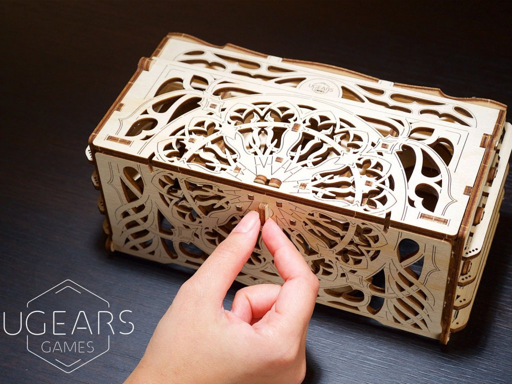 5 reasons to include Card Holder into your board games kit! - UGears USA 2