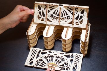UGears Mechanical Wooden Model 3D Puzzle Kit Card Holder