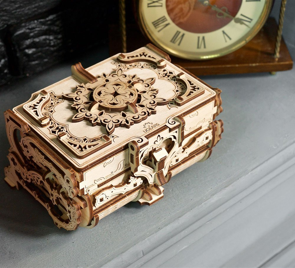 06.-Ugears-Antique-Box