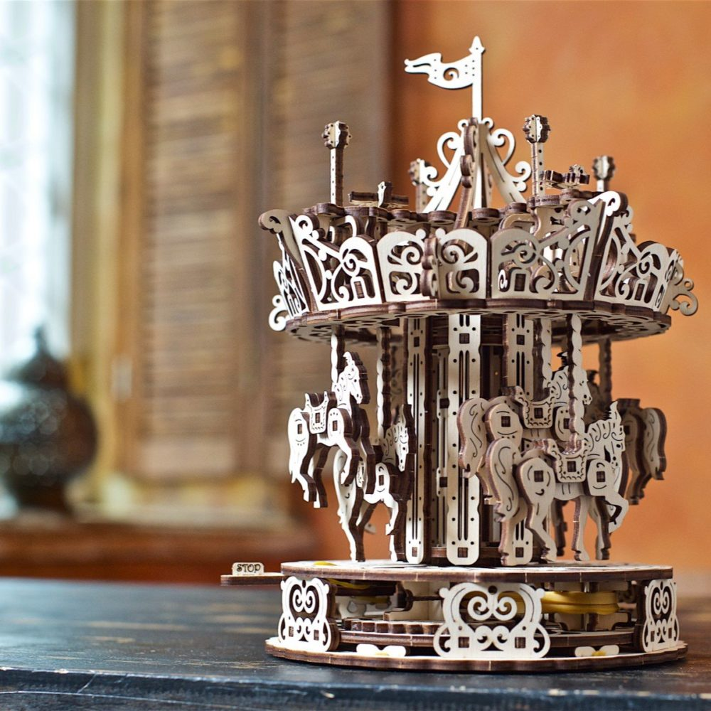 05.-Ugears-Carousel-Mechanical
