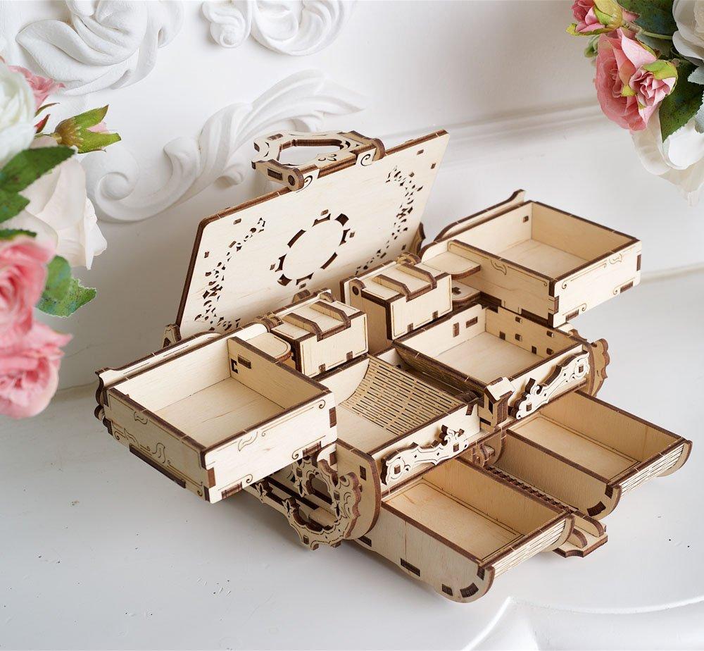 06.-Amber-Box-model-Ugears