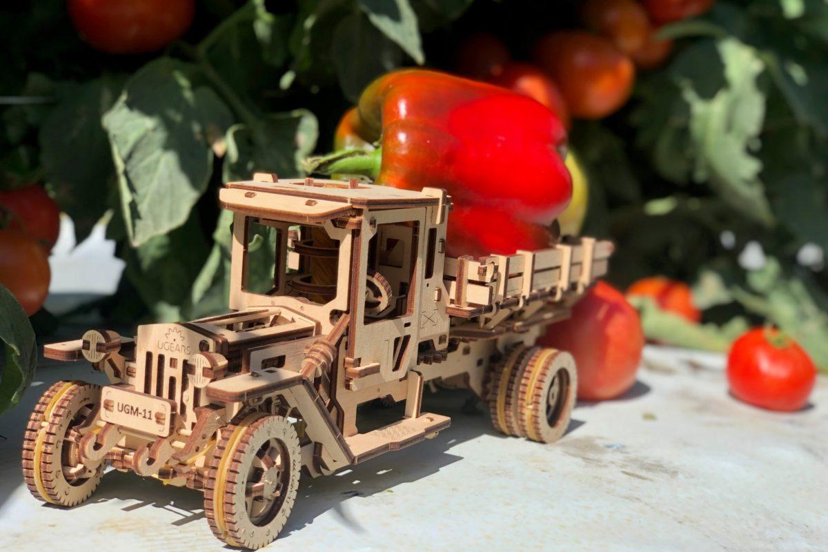 UGears helps gather harvest! 2