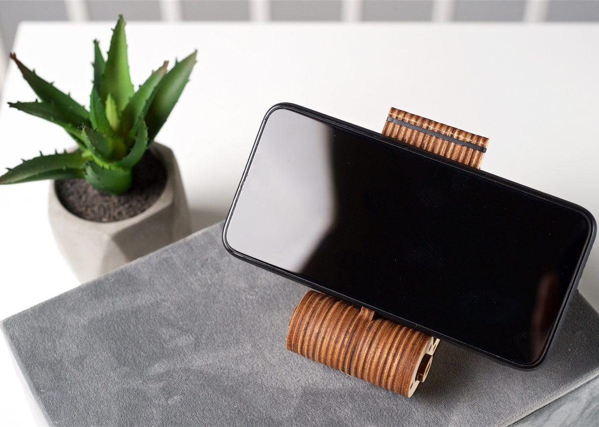 Meet the new member of the mini-series family — Foldable Phone Holder! 3