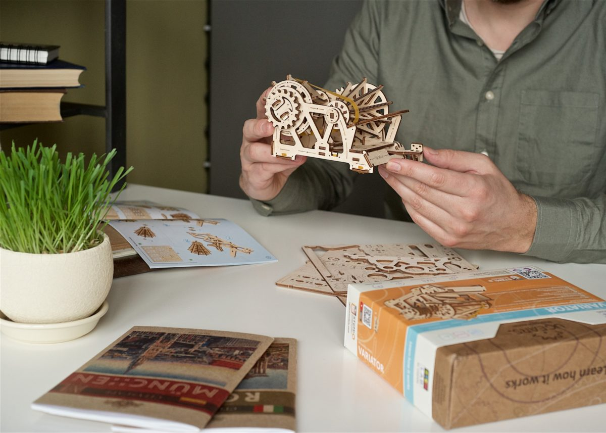 Ugears Variator wooden mechanical model
