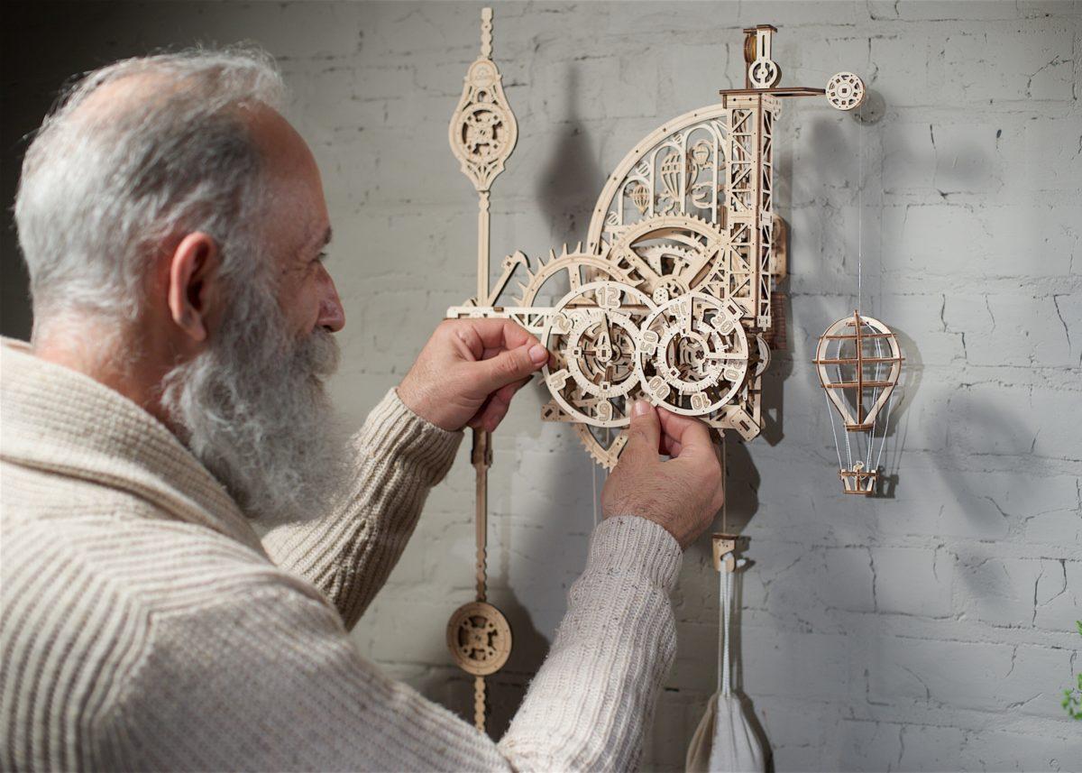 UGears Aero clock. Wall Clock with Pendulum | UGears USA 1