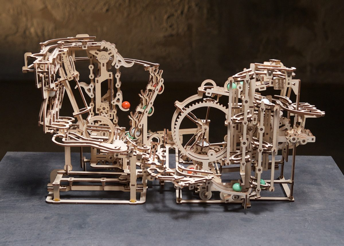 Marble Run Stepped Hoist: Assemble Me. Let my marbles go! - UGears USA 3