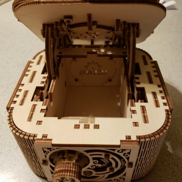 UGears Treasure Box review 138441